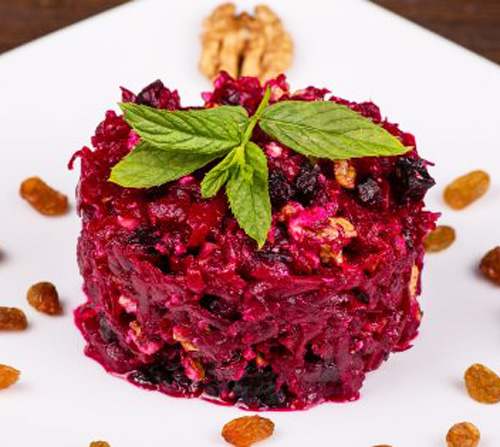 Салат из варёной свёклы с черносливом, орехами и авокадо | Кулинарные рецепты / Very-stylish