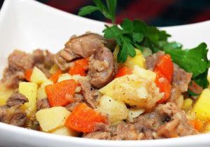 Тушеная картошка c мясом
