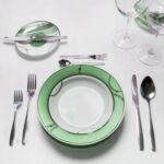 Правила сервировки стола по этикету: повседневная и неформальная